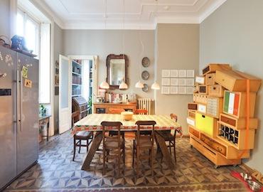 Mi0215 location video shooting camera bambini marmette vintage soggiorno ampio cucina sala da pranzo zona porta venezia milano nonsololoft